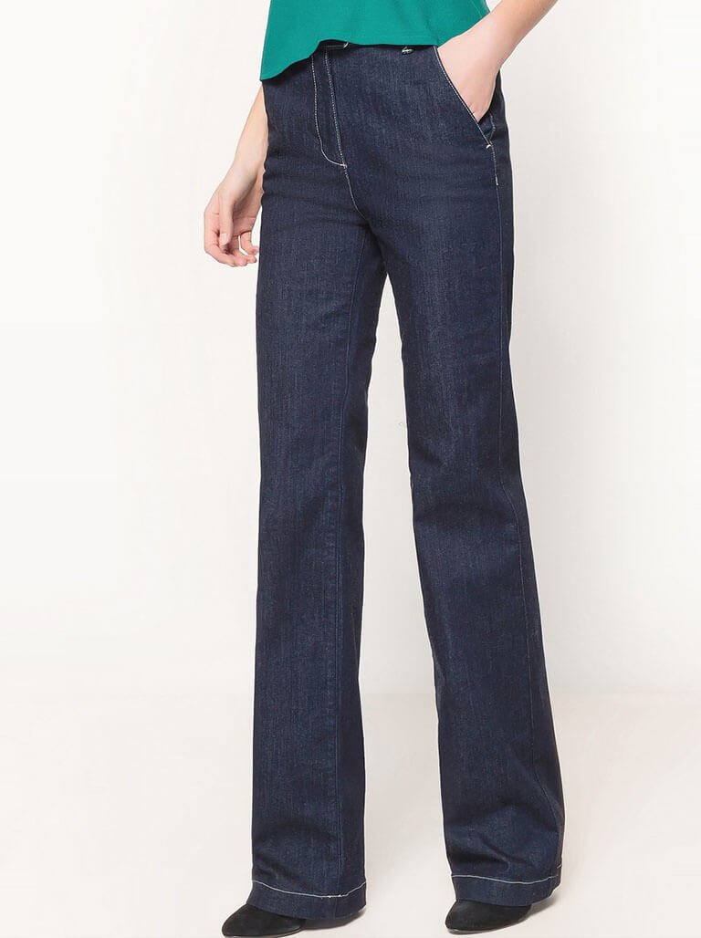 Bootcut and Flared Jeans Image